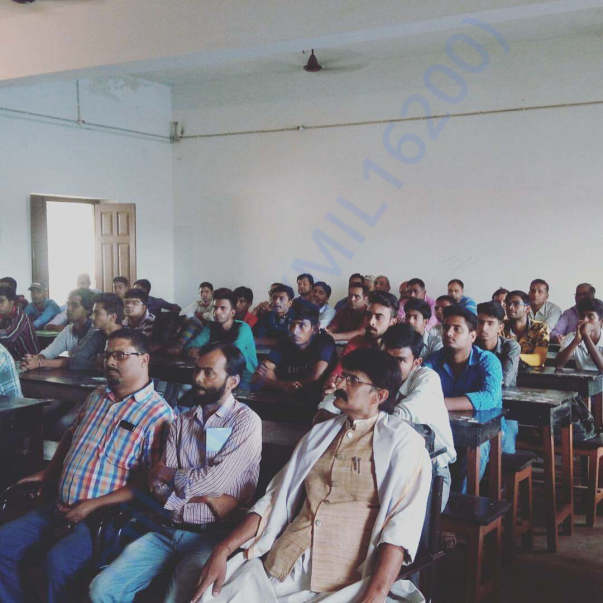 students and professors attending workshop in deoghar college