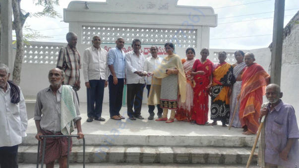 Donation of Rs.45000 by Charlotte NRI's to Khasim&khasim old age home