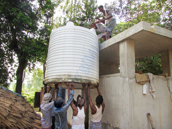 Lifting a water tank