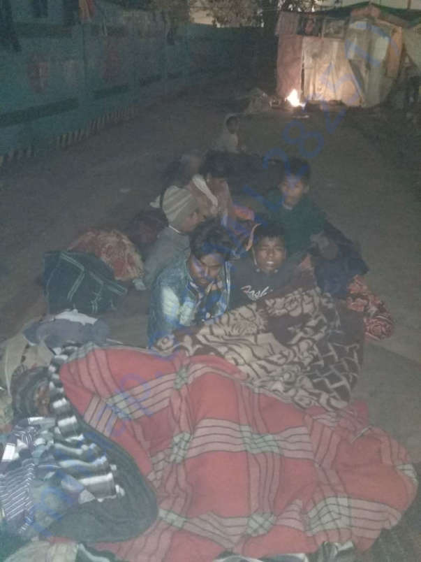 Thousands of people sleeping at Roadside