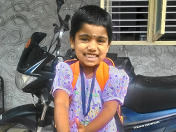 Help kavyadharshni recover from cancer