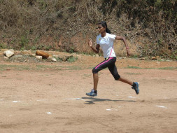 Help This Single Mother's Athlete Daughter Run For India