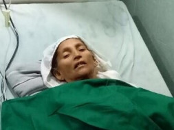 Help young Dilshaad a daily wages worker in saving his mother's life