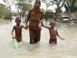 Raising Funds For Flood Affected People Of North Bengal And Bihar