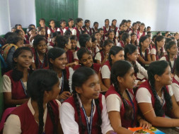 XLRI students help schools in Jamshedpur