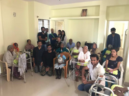 Cater the basic needs at old age homes in Bengaluru