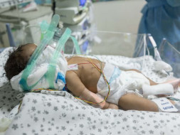 Help this 1-month-old boy who is fighting for his life