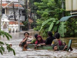 #Standwithkerala Donate to flood relief campaign