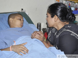 This Vegetable Seller Struggles To Save Son From Cancer On Her Own