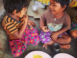 Help Ankit Kawatra to provide daily meals for underprivileged kids