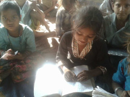 Help us to provide nutritious meals to slum children in Jaipur