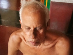 My uncle is suffering from cancer need help for treatment