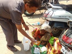 Support Dr Shankar Rao Feed Underprivileged People
