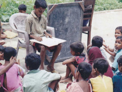 'World's Youngest Headmaster' Gives Poor Kids Free Education