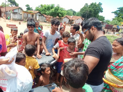 Help to launch 2 food bank  to serve poor people and street dogs
