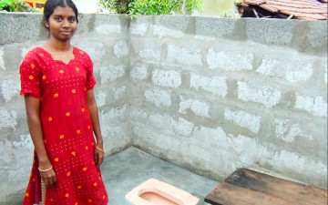 help-build-toilets-in-rural-india