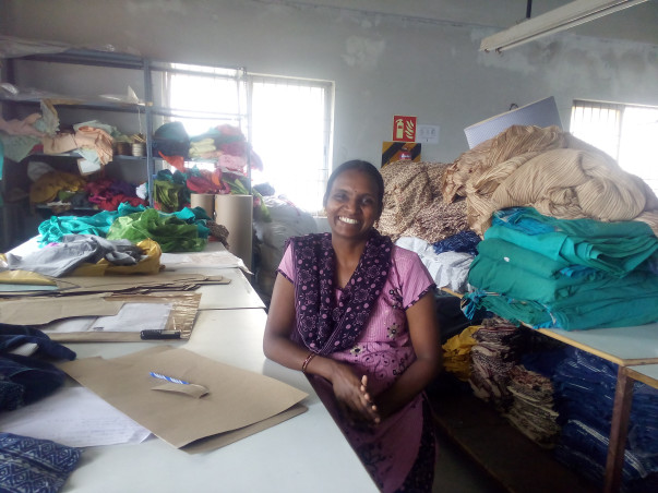 Help Rajalakshmi and her group to buy sewing machines and increase their productivity to #MakeinIndia