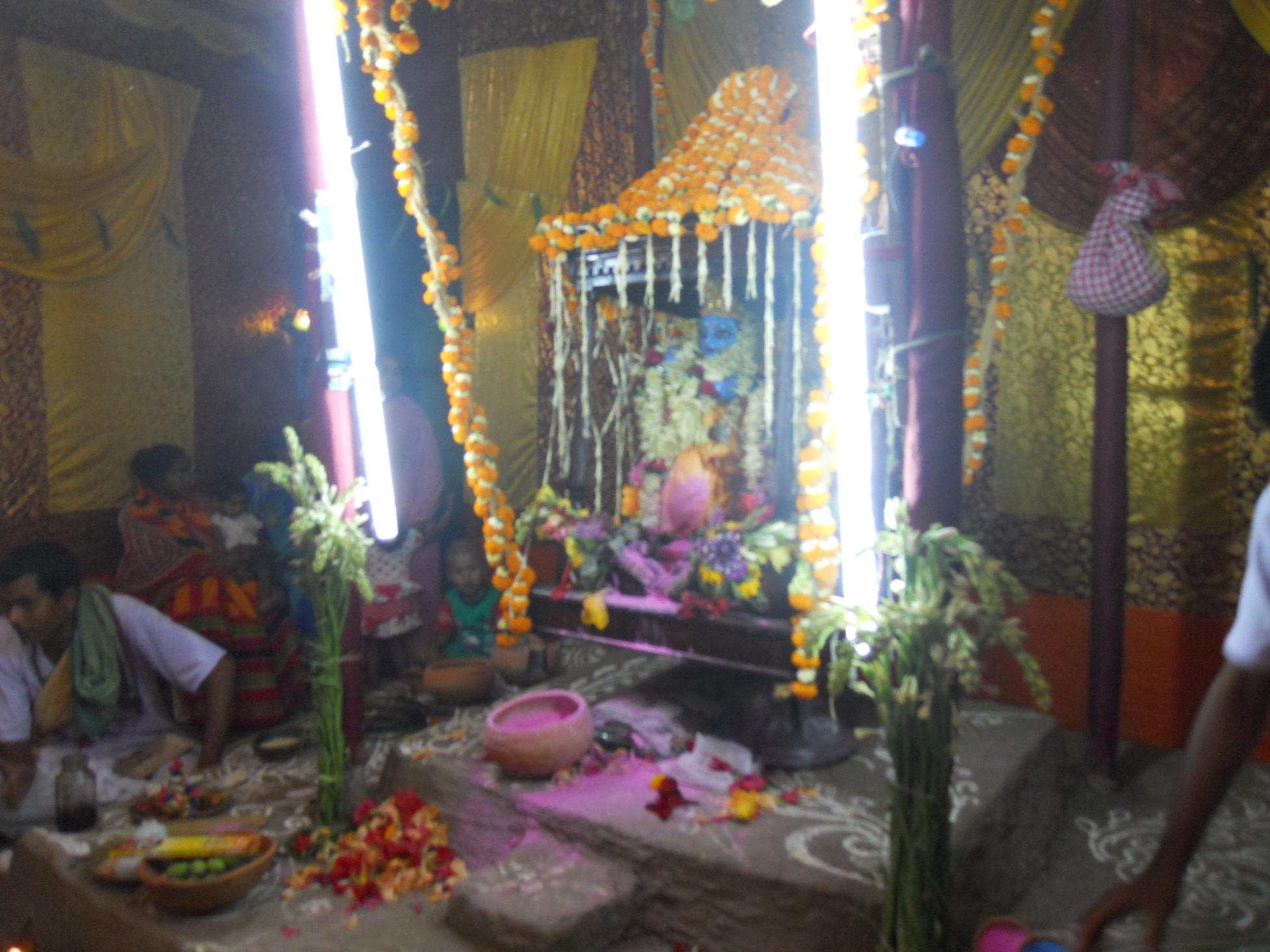 A Puja Dedicated to Lord Krishna: The Bengali Way | Milaap