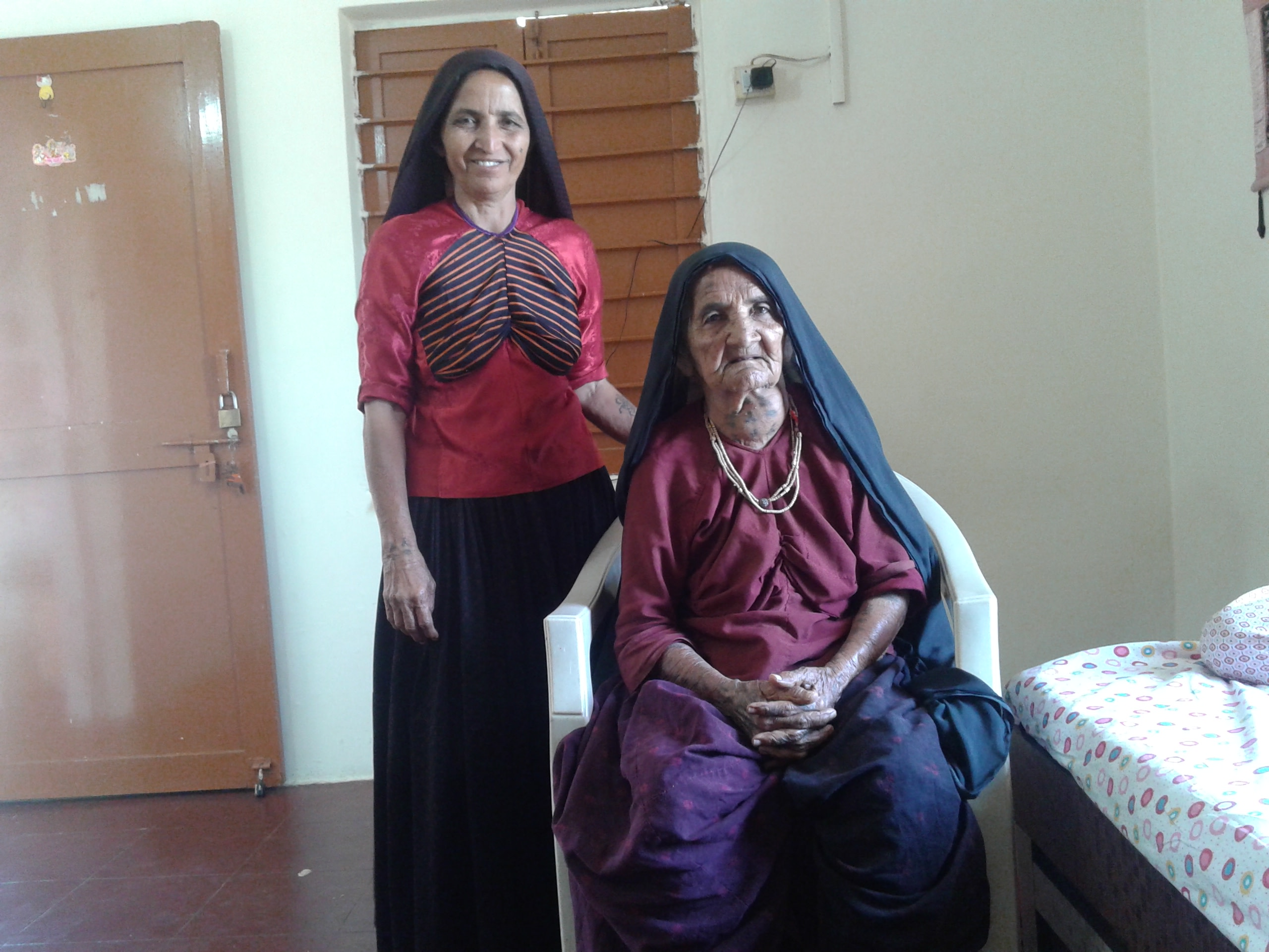 Nanimaa and her daughter