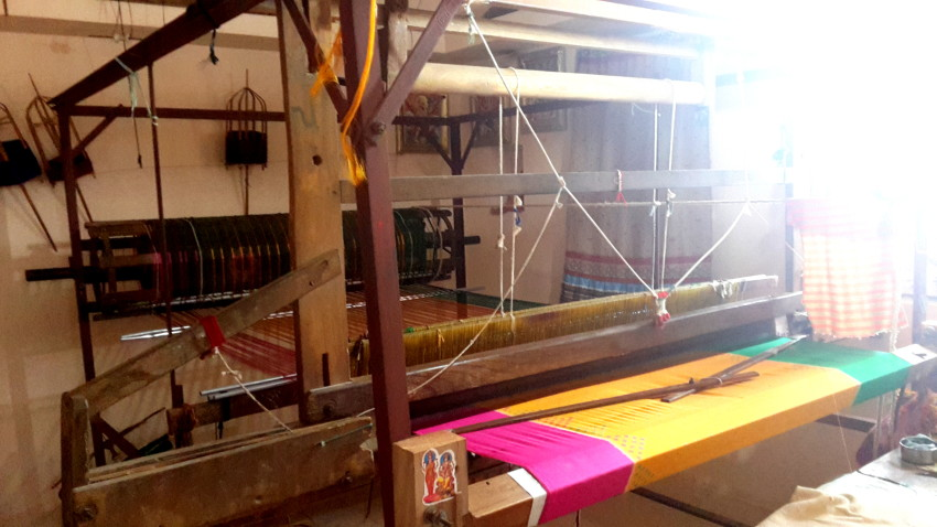 The handloom for weaving the Patola