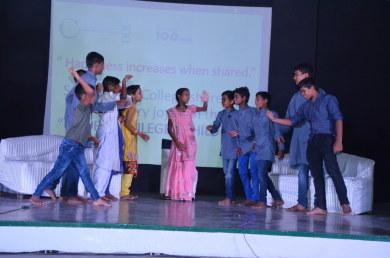 Kids performing at St Thomas Collage