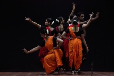 Vyuti performing  'Viharati'