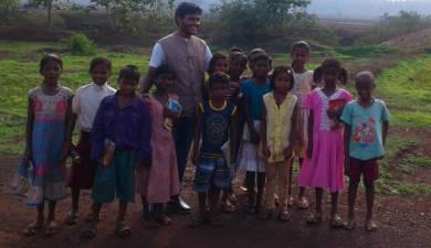 गांव के बच्चे
