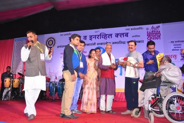 NAAM Fame Famous Marathi actor Makrand Anaspure at the stage of Yuvaan