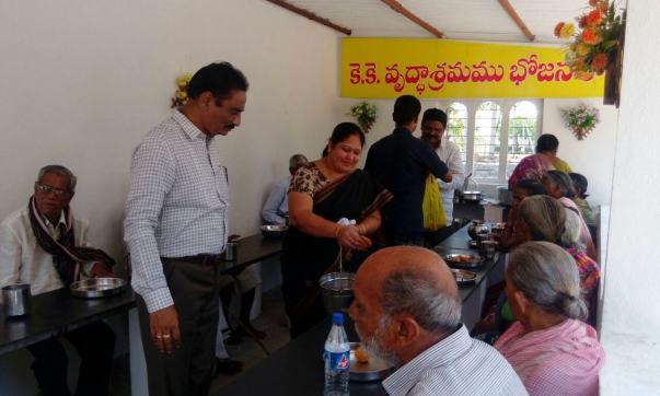 Sri&smt Uma maheswarao DSP Nandigama had conducted a charity programme