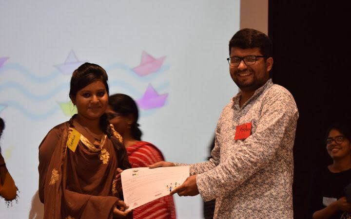 Sapna graduating SMILE fellowship at Pravah Delhi