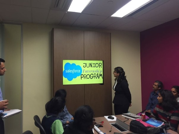 Help 10 Young Girls To Get An Experience in Technology