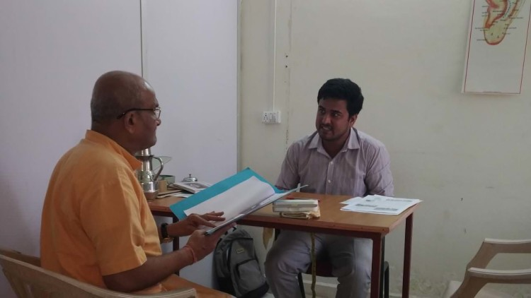 Dr. Shankar with one of the visitors at Nature Cure centre