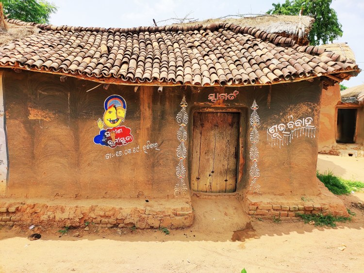 Art lives on in small towns and villages across Western Odisha | Milaap
