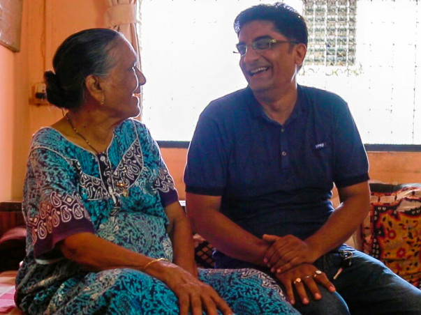 Son to Nearly 200 Old People, This Man is Modern-Day 'Shravan'