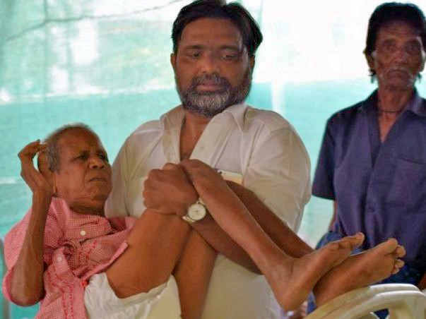 Hyderabad Man Rescued Over 1600 Elderly Homeless & Gave Them New Life