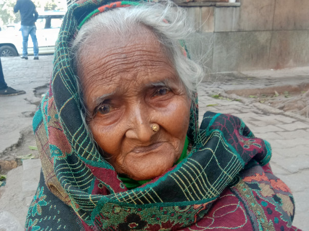 Help for Homeless Old Mothers