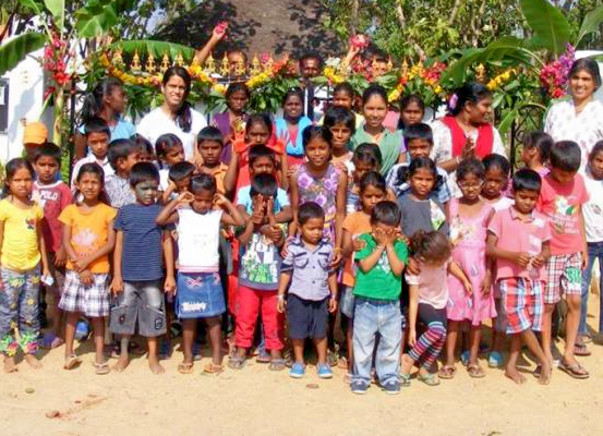 Help us raise funds to provide a computer lab and infrastructure to Jeevarathni's children