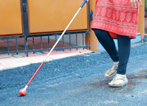 Rolling Tip White Cane Production for Blind People