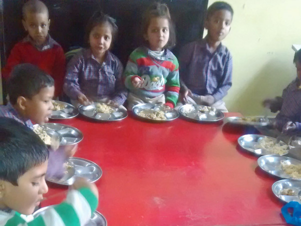 Help-with-Mid-Day-Meal-for Children