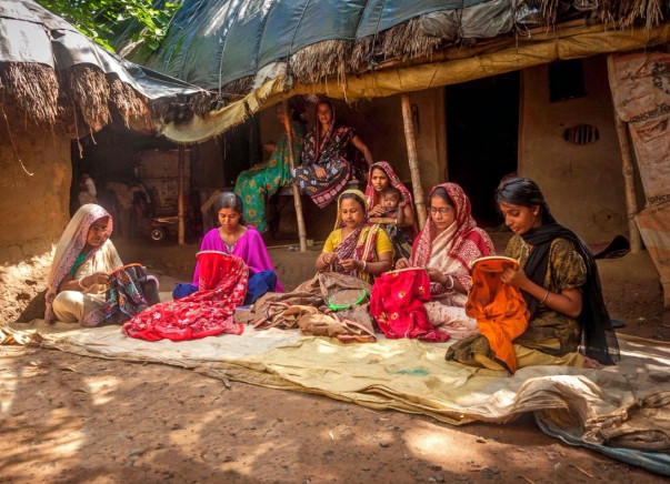 Help Artisans of Bengal break free from Exploitation and Poverty.