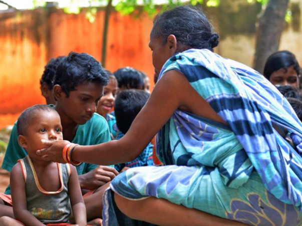 Help These Slum And Poor Children To Get Educated Along With Food