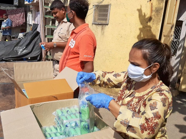 Support Mumbai slums in their fight for survival against Corona Virus.