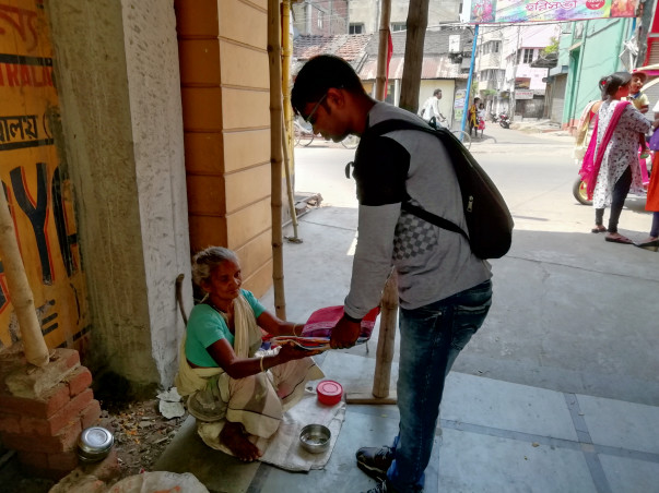 Help To Open a Foodbank For Poor People In Durgapur!