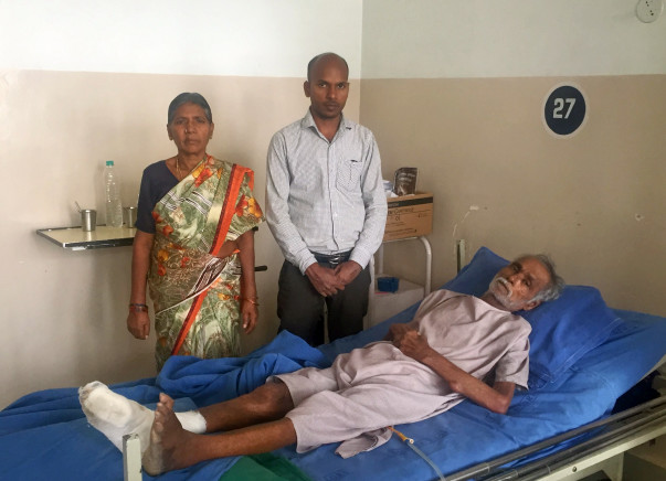 Help Vinayagam undergo treatment for Septicimea