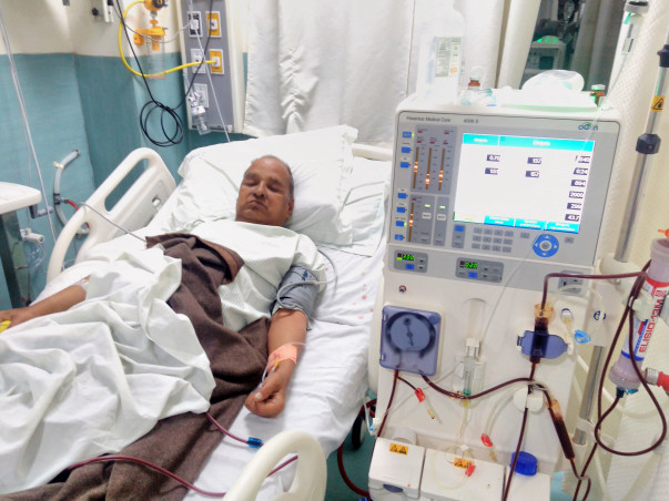 Help Fifty Eight year old Father to get Kidney Transplant.