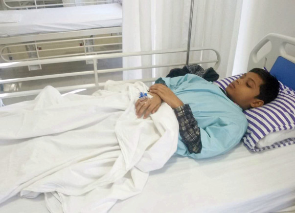 10-year-old Anshu is suffering due to a severe bone cancer