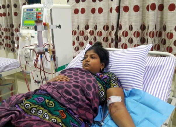 Help This Young Mother Reshma For Her Kidney Transplant Surgery