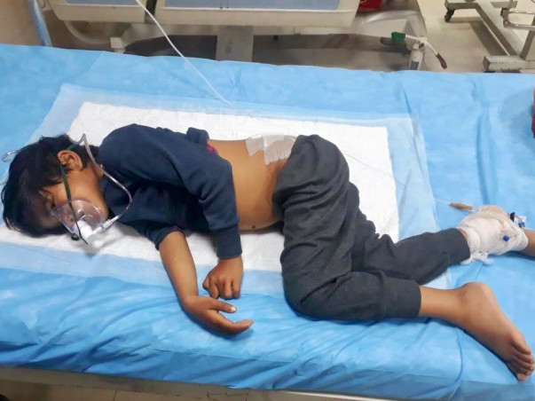 Save This LKG Student Who Is Vomiting Blood Because Of Blood Cancer