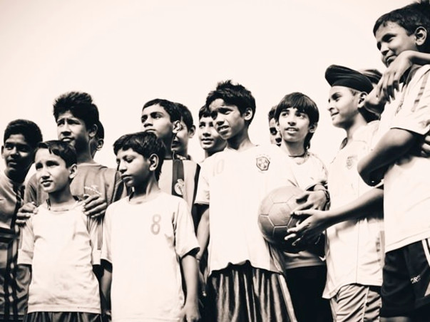 Support 400 underprivileged Footballers fulfill their dreams