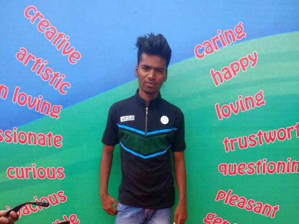 Help Fayaz's dream of studying Sports Management come true!